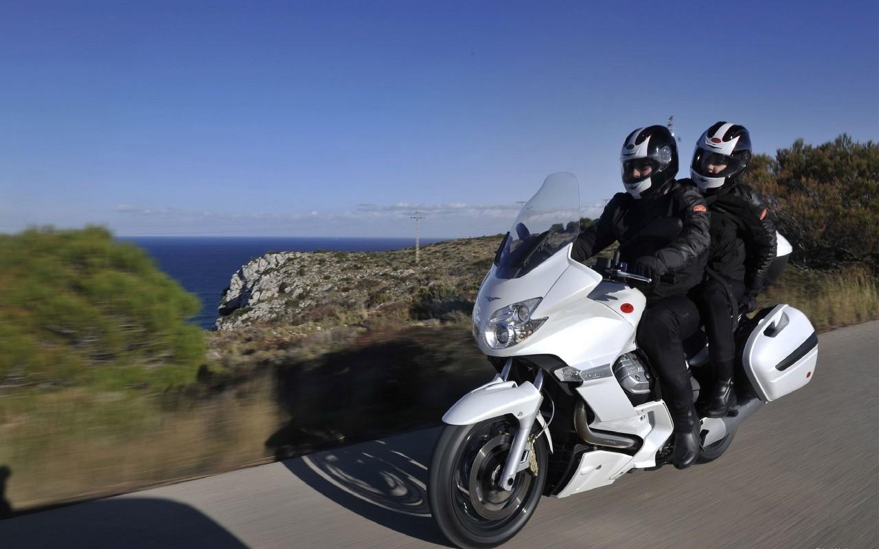 Moto-Guzzi-Norge-GT8V-2011-02